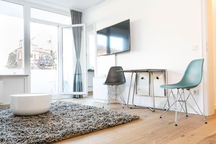 Luxery flat, 40sqm, AC, modern, 5 mins./fair