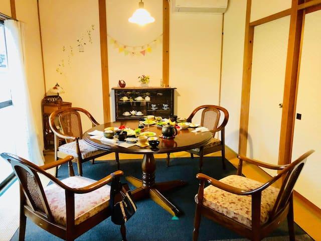 四季彩 (空港近く/一棟貸切/楽しい夫婦がおもてなし/採れたて自家製野菜の1泊2食付き)