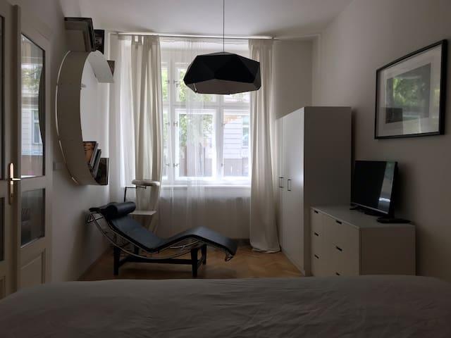 Sleek room close to the center of Prague