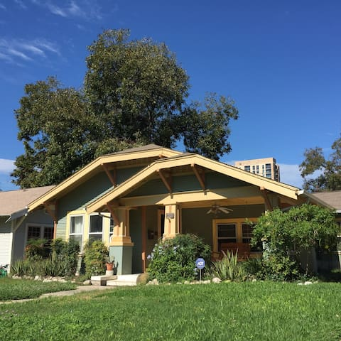 Charming 1925 Craftsman Bungalow in Mahncke Park