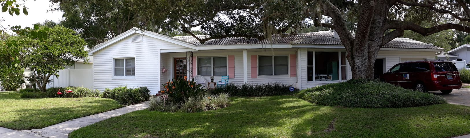 Beautiful home in sought after Belleair, FL