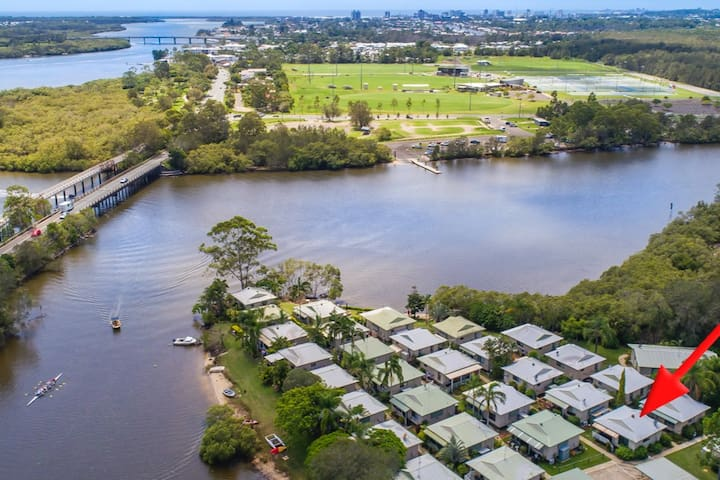 Delightful Bungalow on Maroochy River!