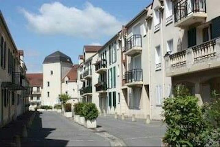 Montlhéry的民宿
