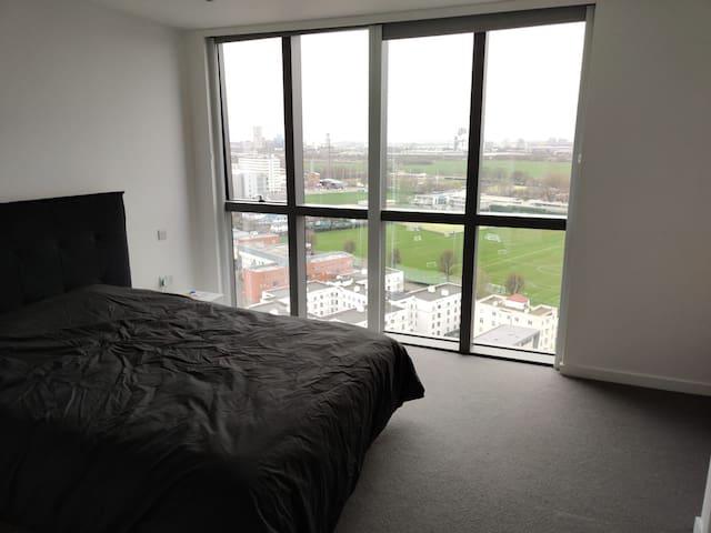 Newbuilt: Large Ensuite w/ Amazing View-White City