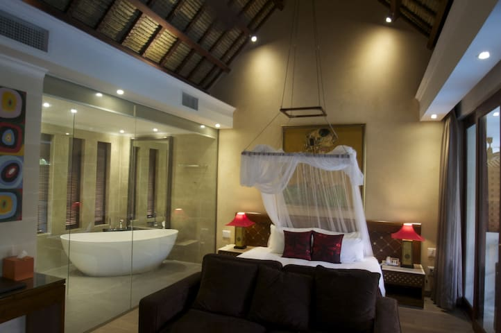 SUNSEA Resort Beach Front Home - Pool View Suite