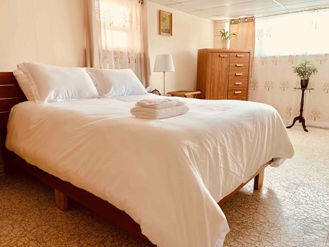 Spacious accommodation near Midway Airport
