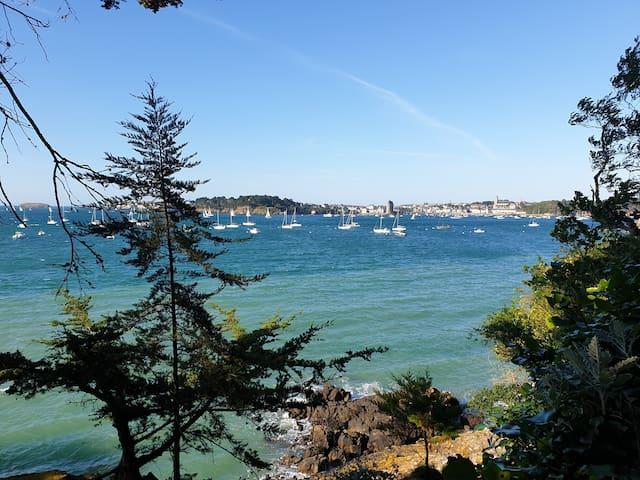 滨海圣布里阿克(Saint-Briac-sur-Mer)的民宿