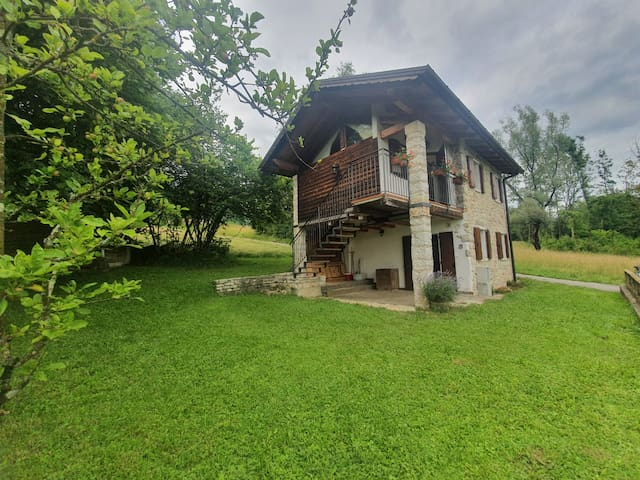San Gregorio nelle Alpi的民宿
