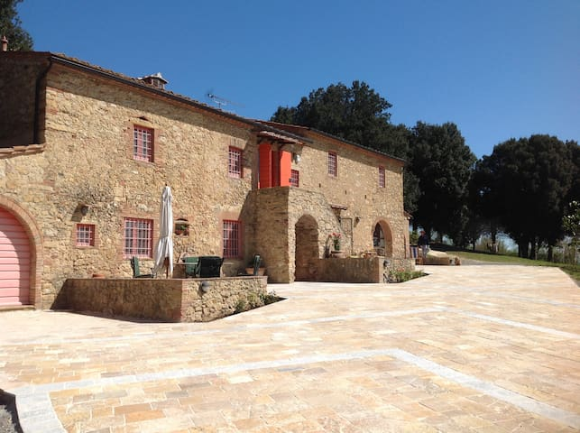 Montescudaio的民宿