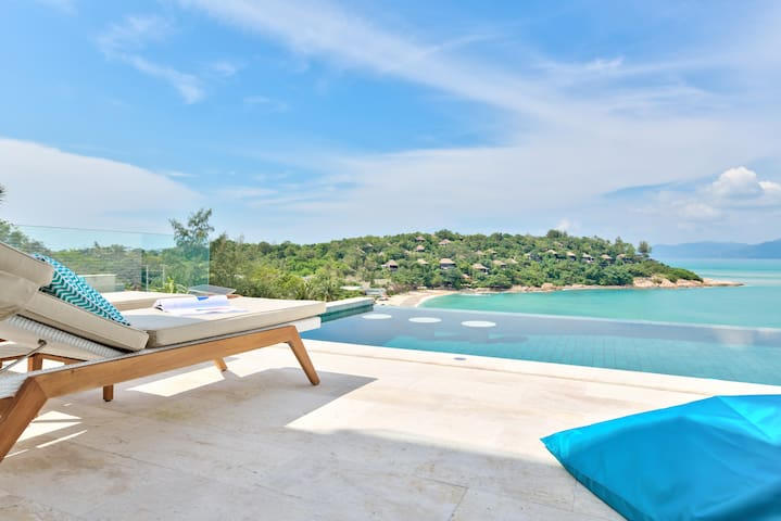 White Palm II - Best Beach Views & Walk to Beach