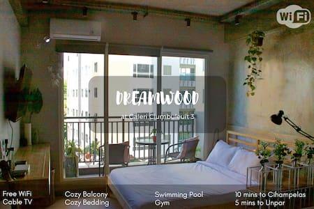 Dreamwood @Gal. Ciumbuleuit, 2 beds, 4 people