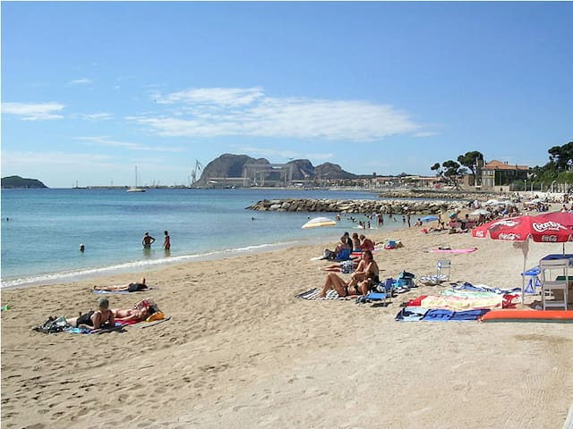 2 rooms apartment at 50 m from beach (1)