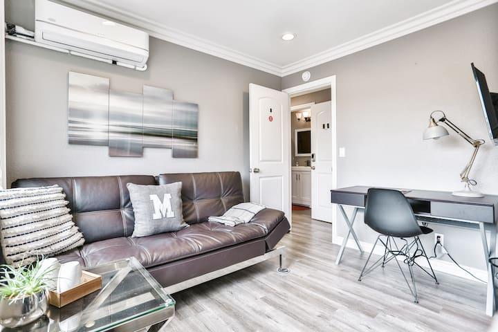 Modern & Comfy | 5★ Location, Private Bath, Office