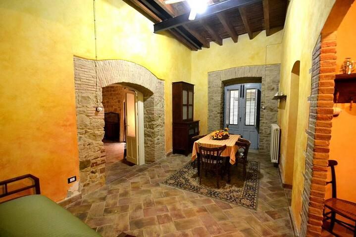 Montemaggiore Belsito的民宿