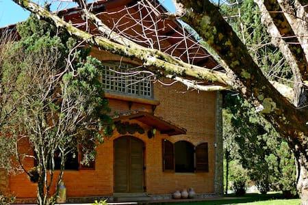 Casa maravilhosa em Monte Verde