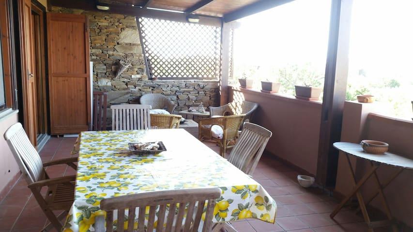 """Appartamento """"La terrazza"""" Stintino"""