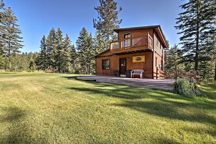 Concoy Cabin w/ Deck on 42 Acres, Near Hiking!