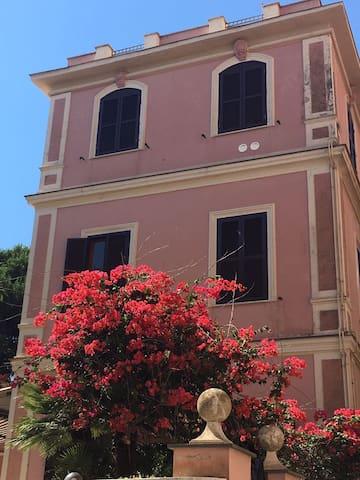 casa con vista ad Anzio