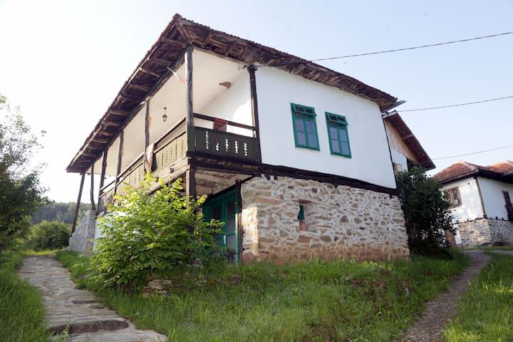 Radlovtsi的民宿