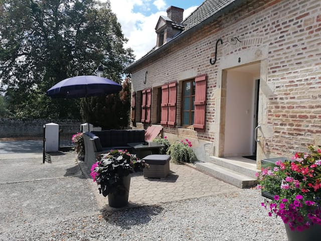 Pierre-de-Bresse的民宿