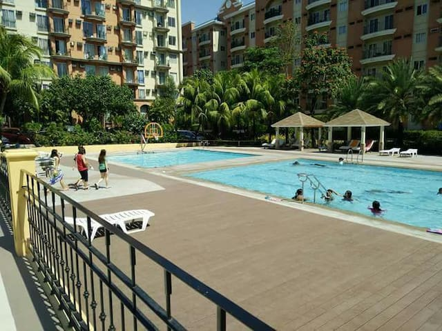Fully Furnished 1 BR Condo LongtermLease 550/night