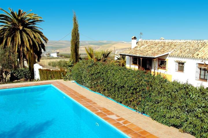 Country house in Cordoba, Santaella
