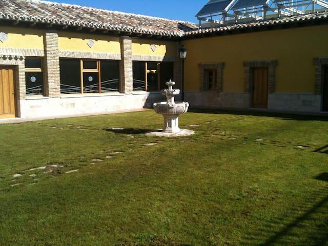 Herrera de Valdecañas的民宿