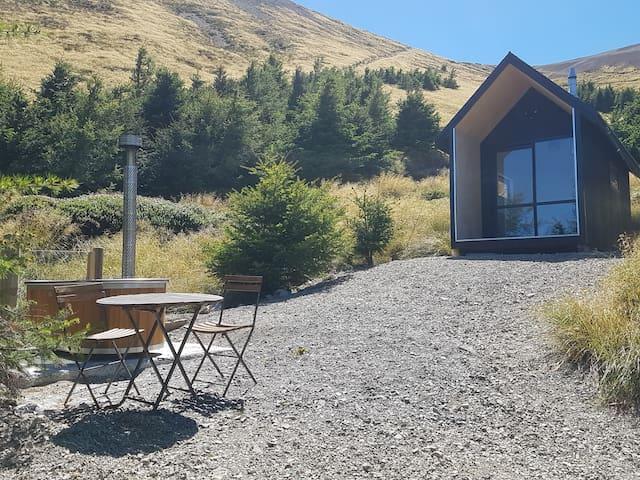 Mt Lyford - Penthouse Hut , Lake Stella