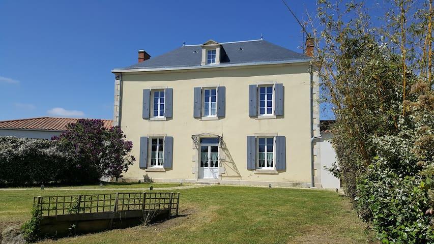 Chaillé-les-Marais的民宿