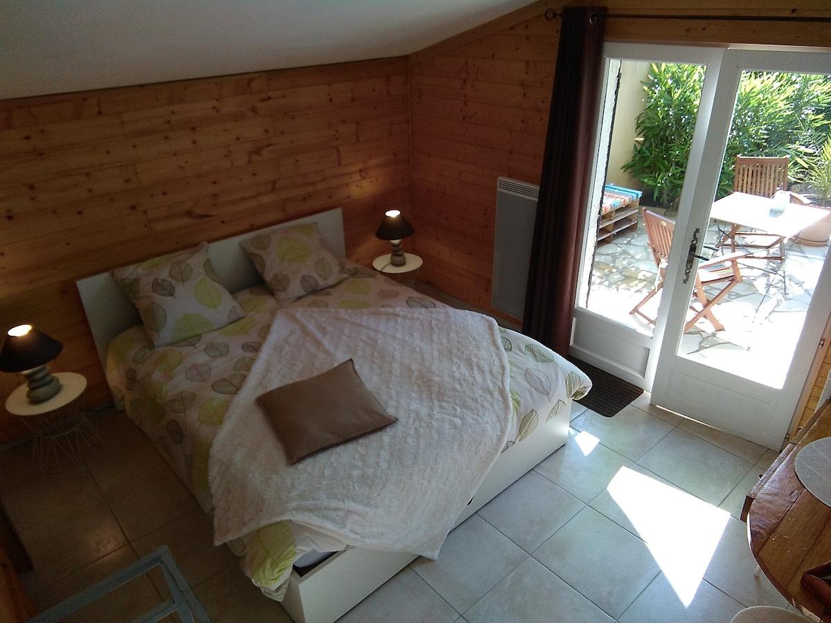 Chambre  ALCYSA indépendante + terrasse privée