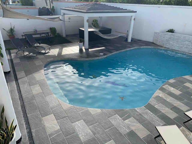 J-Eco Luxury  Home,Wi-fi, Private-Pool