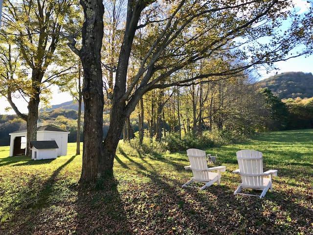 Berkshires Schoolhouse: Fall Foliage Discount