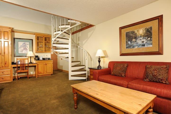 Spacious + Modern Mountain Room | Serene Location!