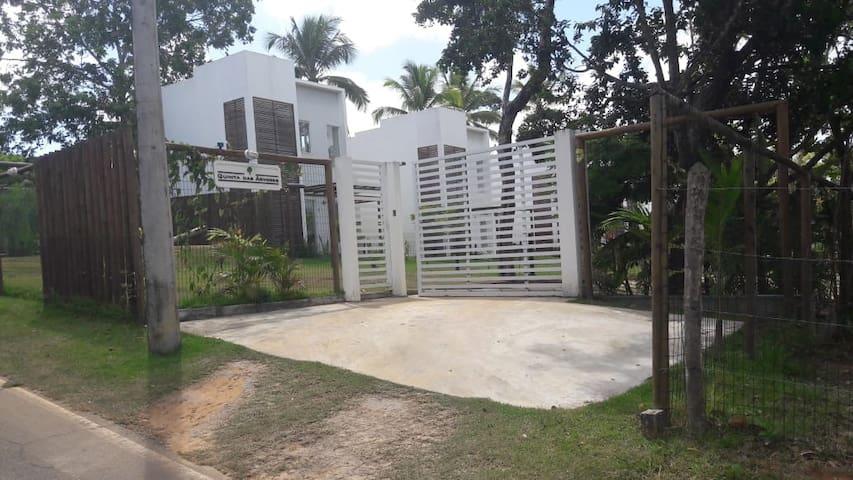 Casa completa em Condominio com infraestrutura