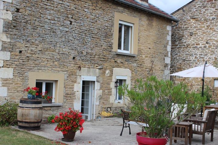 Guignicourt-sur-Vence的民宿