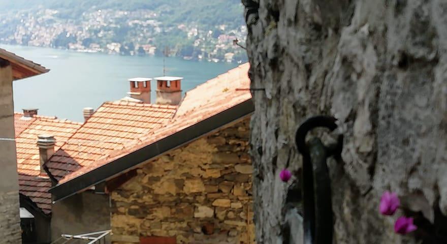 """Camera privata  """"Vecchia Osteria Roma"""" vista lago"""