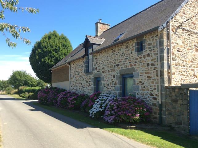 Saint-Léger-des-Prés的民宿