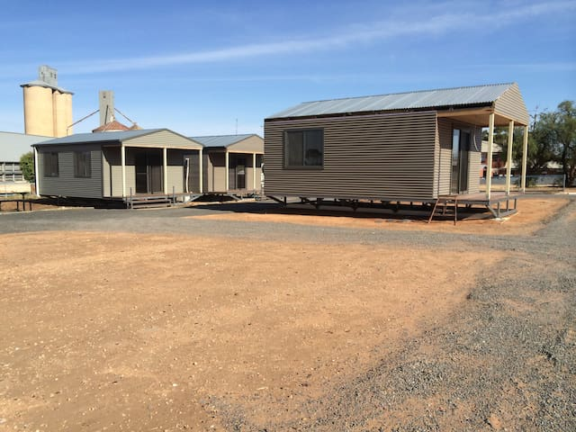 WAGON INN self contained unit 2