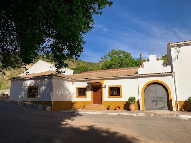 Casa Rural Cortijo Las Huertas