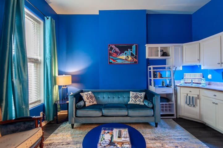Sapphire Sanctuary - Butchertown/NuLu Neighborhood