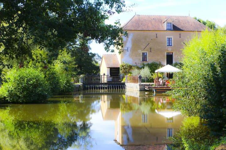 Saint-Pierre-les-Étieux的民宿