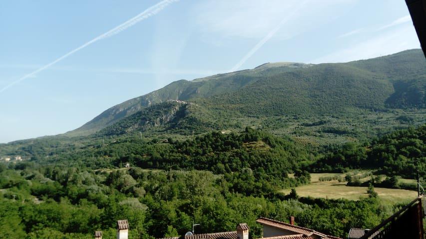 San Vincenzo Valle Roveto Superiore的民宿