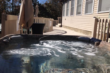 Spa house with pool & game room  Wifi 250Mbps, A/C