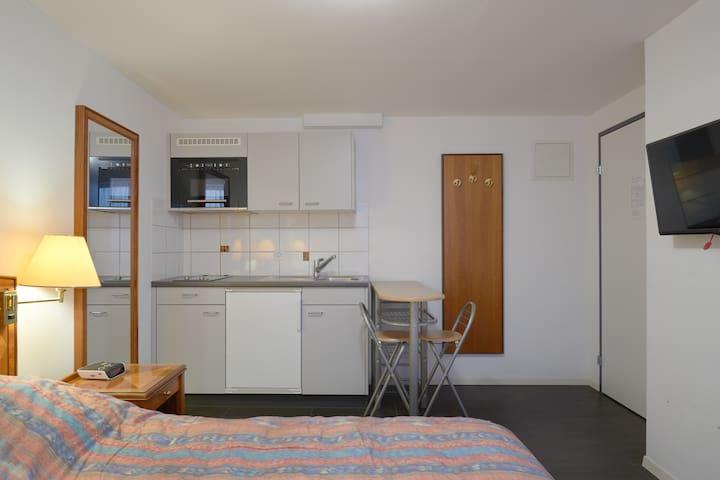 2.1 Issaschar - Hine Adon Aparthotel