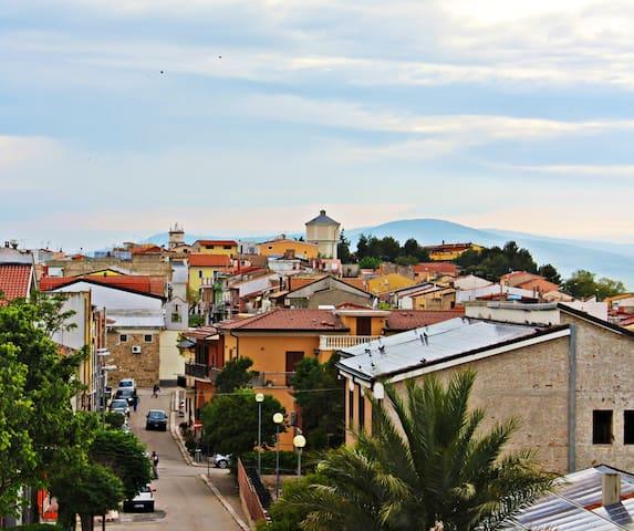 Castelluccio dei Sauri的民宿