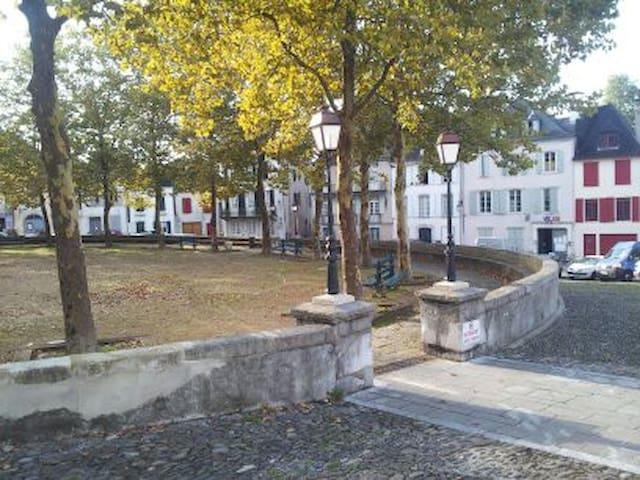 奥洛龙 - 圣玛丽的民宿
