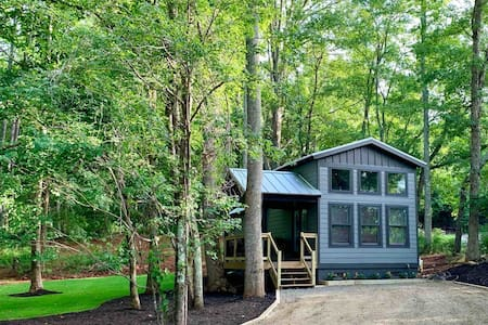 Modern Cabin * tiny house *  Retreat *sanitized*