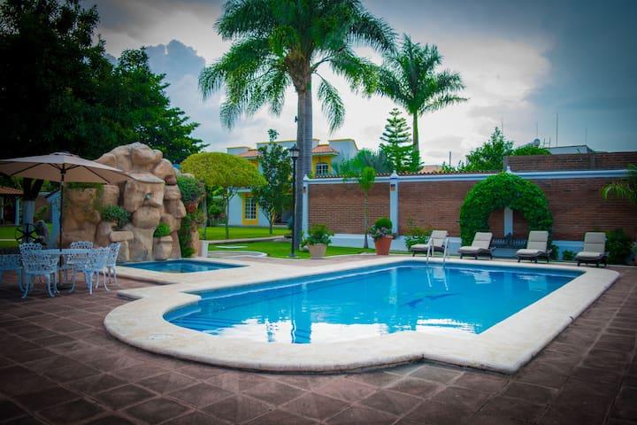 Ahuacatlán的民宿