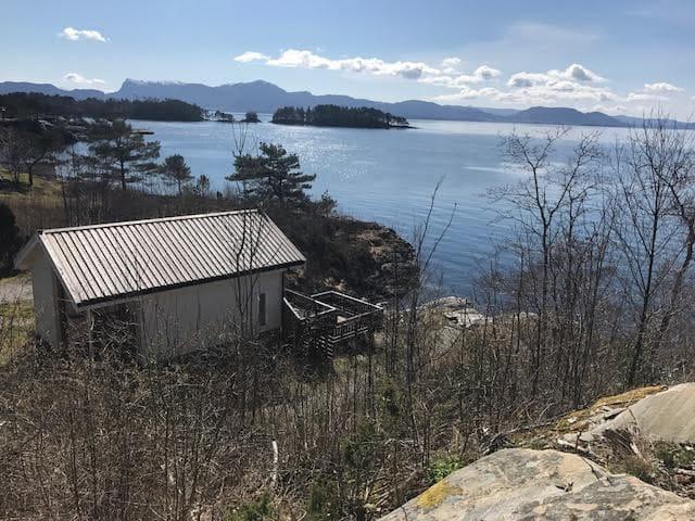 Bergen nærmeste by. Tettsteder Os, Eikelandsosen, Strandvik的民宿