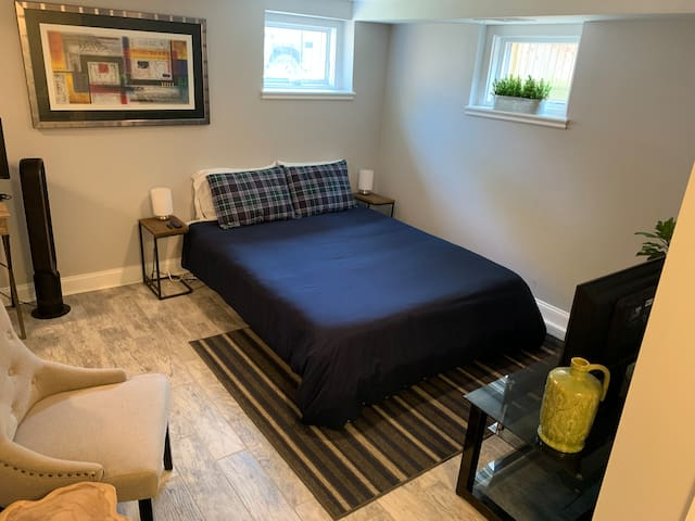 Private Entrance and Suite in Old Town Alexandria!
